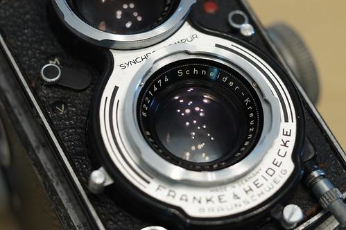 至於鏡頭是 Schneider 的 Xenar 75mm/f3.5