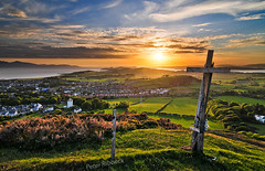 Law Hill 2010 (Peter Ribbeck) Tags: uk sunset landscape scotland britain arran ayrshire largs seamill fairlie portencross lawhill westkilbride littlecumbrae cumbrea lawcastle peterribbeck nohdrsoftwareused