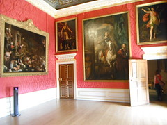 Kensington Palace, London (kmoliver) Tags: london boring dontdoit dull kensingtonpalace overrated dontwasteyourmoney enchantedpalaceexhibit