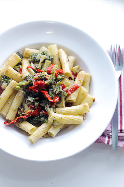 Red Peppers and Broccoli Pasta
