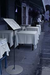 Piazza Vecchia (Alice Arnoldi) Tags: menu alta piazza bergamo ristorante tovaglia città tavoli piazzavecchia cittàaltabergamo