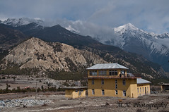 Humde Airport (Meir Naamat) Tags: nepal airport peaks himalaya טרמינל humde רוח עתיק שדהתעופה מבנה terminal aroundannapurnatrack שרבול windsock