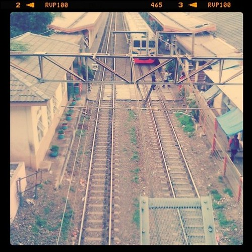 Stasiun Cawang from abov by gladhys
