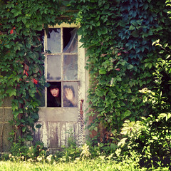 365/188 - Secret Garden (RachelMarieSmith) Tags: portrait selfportrait abandoned garden photography gardening films movies secretgarden koreanfilms