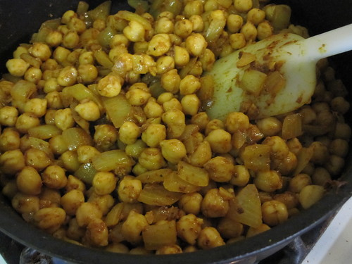 Curried chickpeas, onions, garlic