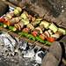 Beringela, pepino, tomate, cebola, carne e pimenta