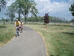 P7110071 (GO-by-Bike) Tags: cycling bikes transit greenbelt wellandcanal goldenhorseshoe coachcanada