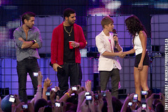Selena Gomez Colin Farrell Drake Justin Bieber| 2011 MMVA Much Music Video Awards 1