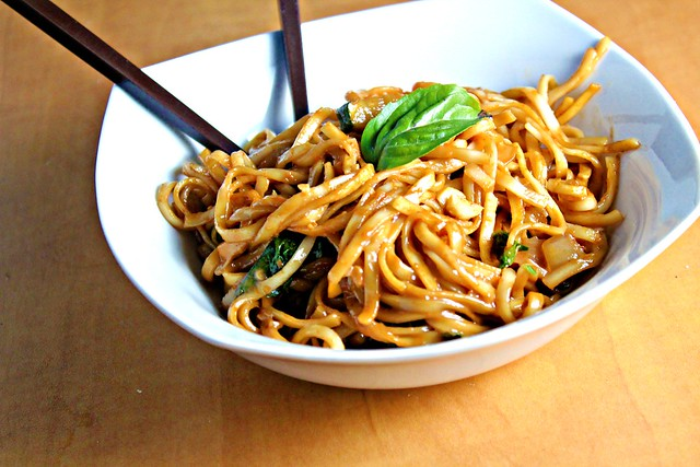 Noodles in Thai Curry Sauce | Joanne Eats Well With Others