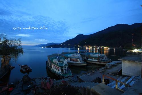 Suasana Petang di kota Parapat, Danau Toba