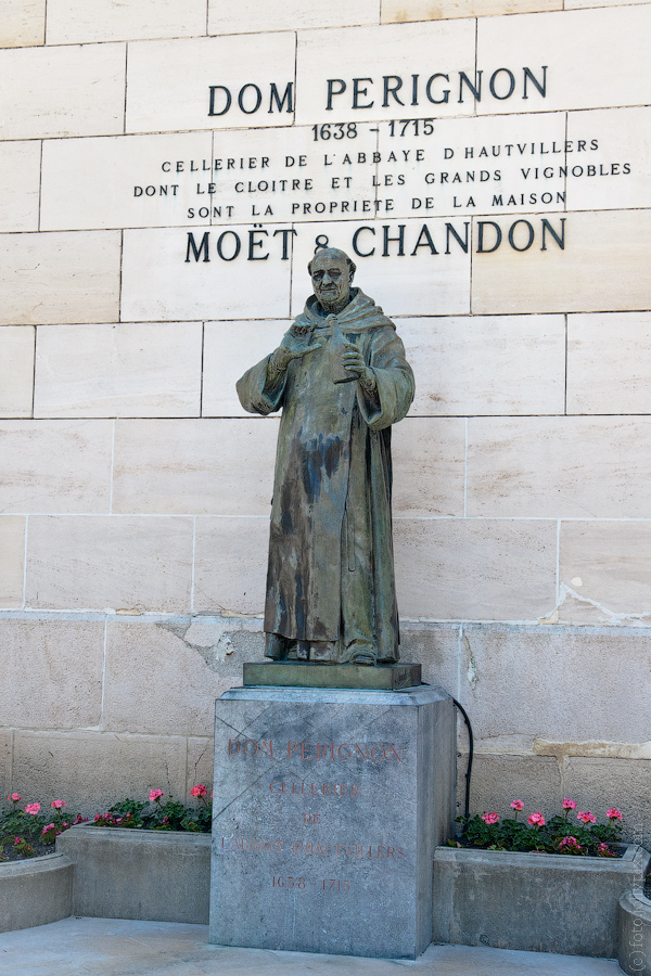 Dom Perignon statue at the doors of Moët & Chandon.