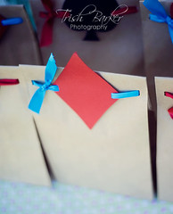Take Away Sweet Bags for an Alice in Wonderland Party (windrosie) Tags: gambling shower eatme tophat gardenparty playingcards cheshirecat kidsparty drinkme thewhiterabbit lewiscarrol partysupplies shower unbirthdayparty pokerparty madhatterteaparty aliceinwonderlandparty bridal spadediamondheartclub ideas teapartysupplies adeckofcards photoboothsupplies windrosieonetsy aliceinwonderlandpartysupplies whimsicalparty partypapersupplies
