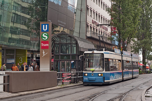 Umleitung durch die Bayerstraße: Die Tram 19 lässt derzeit ihre beiden wichtigesten Haltestellen — Hauptbahnhof und Karlsplatz — aus.