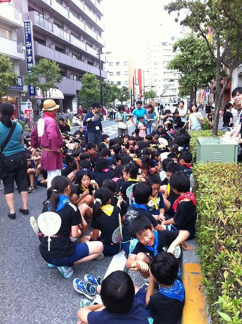 これから優介が浦和祭りでお神輿かつぐよ