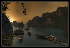 Evening Colors (Marco-971) Tags: voyage sunset mer evening nikon asia vietnam asie soir marcos halongbay coucherdesoleil baiedhalong d700 marco971