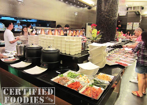 Buffet area in Yakimix in Trinoma - CertifiedFoodies.com