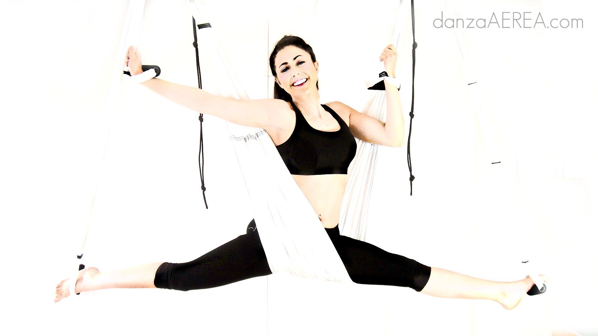 DANZA AEREA (AERIAL DANCE) BY AERO YOGA©