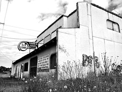 Vacant pawn shop () Tags: old usa building classic abandoned sign shop architecture america for photo washington interesting highway neon nw state pacific image sale decay empty united ss picture photograph 99 sw arrow states lakewood roadside decayed pawn 253 loans