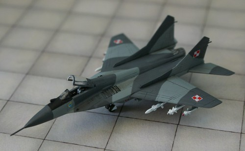 "Revell + Academy 1/144 - MiG-29 Fulcrum ""Polish Air Force"" - Completed - 1"