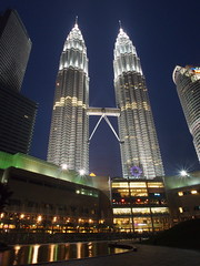 The two tower (mohdnaharazmi) Tags: klcc ep3 petronastwinstower kltwinstower olympusepenseriesep3 mzuikodigital12mmf20