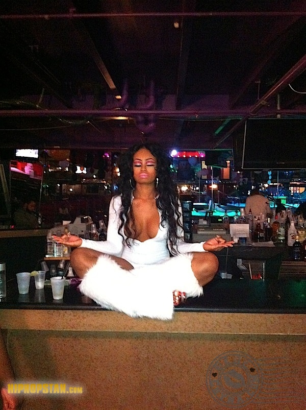 blac-chyna-meditate