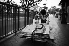 the hard truth (_Bunn_) Tags: street leica bw india white black 35mm singapore little trolley summicron cardboard asph m9
