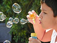 love bubbles! (Iasmin Braz) Tags: love sol day bubbles irmo bolasdesabo