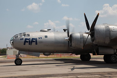 B29 arrives (VisualUniverse) Tags: flyingfortress airmuseum b29 wwiibomber addisontx cavanaughairmuseum