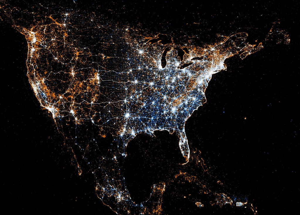 Image showing where Flickr and Twitter are used in the USA