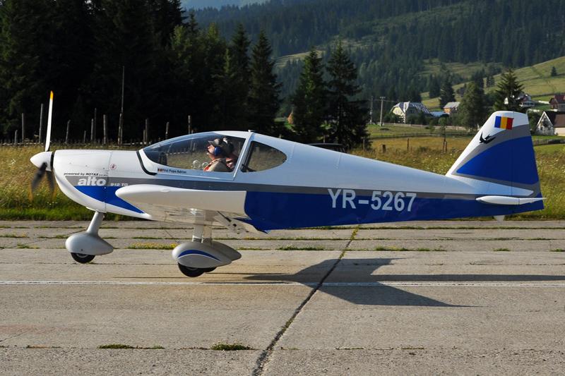 Suceava, Vatra Dornei - Aerodromul Floreni (LRFL) - Pagina 6 5919747990_7eb1acf38e_o