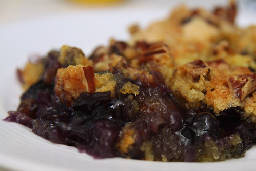 blueberry dump cake plate
