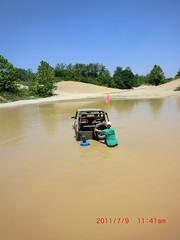 CIMG0099 (chadreschly) Tags: girls sidekick fun jeep mud stuck offroad 4 trails indiana dirty samurai melt suzuki badlands geo tracker wheeling attica 2011 zooki zukimelt