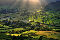 Edale (Keartona) Tags: uk summer england sunlight green english landscape countryside shadows derbyshire railway fields sunrays edale