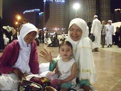 syifa, juicy, and Budhe Idah (anoey_here) Tags: journey baitullah