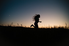 [Free Image] People, Children, Girls, People and Scenery, Jogging/Running, Silhouette, 201107270700