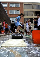 Non-Newtonian 10 (connorcowden) Tags: summer philadelphia water corn university pennsylvania isaac parking experiment lot fluid gravity physics non discovery liquid newton solid upenn starch newtonian nonnewtonianfluid nonnewtonian