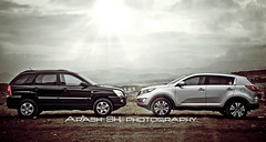 2010 & 2011 Kia Sportage (Arash Sheikholeslami Photography) Tags: new old 2 black color green clouds canon silver magazine photography eos nice iran space machine arash 7d kia generations tehran 1785mm tone sportage 2011 sheikholeslami