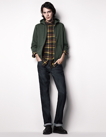 Jaco Van Den Hoven0442_UNIQLO Fall 2011(UNIQLO UK)