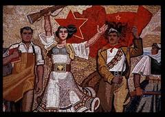 Mosaque originale, avec l'toile rouge, muse national, Tirana, Albanie. (Only Tradition) Tags: al albania communisme albanien shqiperi shqiperia albanija albanie shqip shqipri ppsh shqipria shqipe arnavutluk hcpa albani   gjuha   rpsh  rpssh       komunizm   albnija