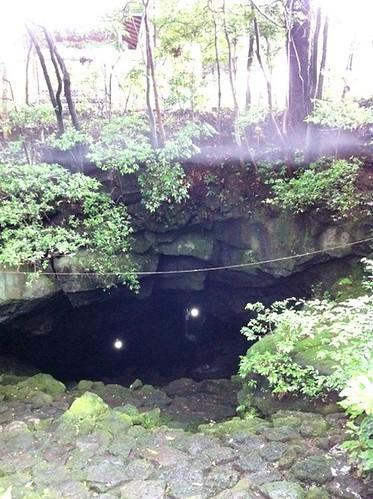 駒門風穴の入口