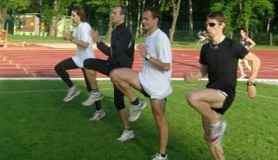 Techniku běhu vám srovná speciální běžecké cvičení