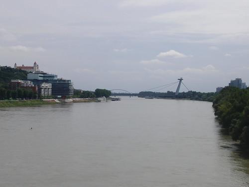 Bratislava a la izquierda