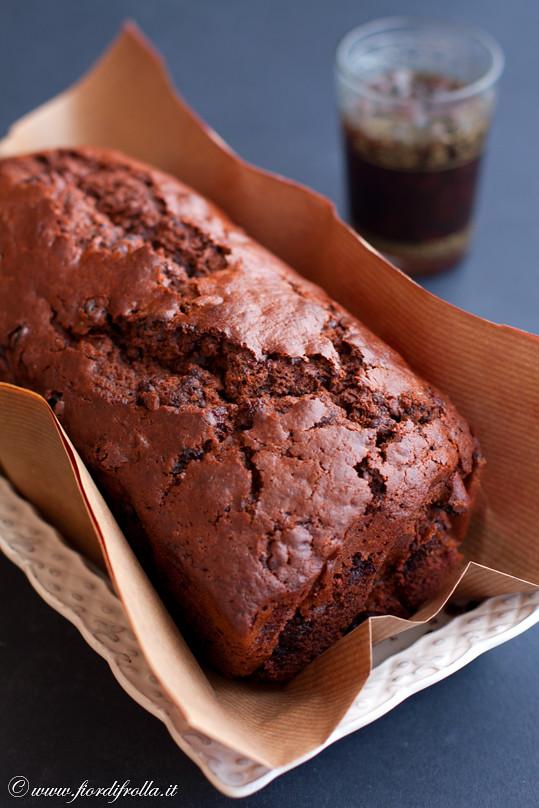 Cake al cioccolato con uvetta, vernaccia di Oristano e il suo sciroppo.