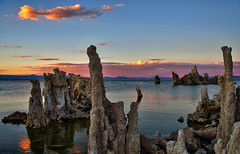 Sunset at Mono Lake (Dave Toussaint (www.photographersnature.com)) Tags: california ca travel blue sunset sky usa cloud sun lake color nature water northerncalifornia photoshop canon landscape photo interestingness interesting highway day skies photographer cs2 dusk picture august hwy explore adobe geology monolake 2008 tufa hdr 395 infocus leevining denoise 40d topazlabs topazadjust photographersnaturecom davetoussaint photoengine oloneo pwpartlycloudy