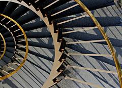 treppenwoche (Fotoristin - blick.kontakt) Tags: light shadow abstract detail lines architecture stairs golden licht geometry treppe staircase architektur dsseldorf schatten ausschnitt geometrie treppenhaus linien blickkontakt treppenstufen treppenauge hentrichpetschniggpartner drahthaus treppenwoche