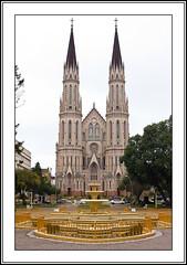 Catedral de So Joo Batista (Alexandre Schuster) Tags: church arquitetura brasil iso400 f56 riograndedosul igrejas santacruzdosul supertakumar35mmf35 5050mm canoneos60d lentesmanuaism42