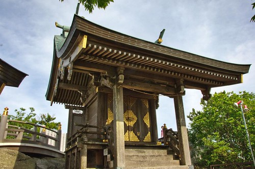 shrine at Nyotai-san