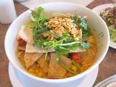 Mi Quang at Quan Vy Da