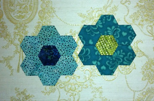 Inchy Hexagon Flower Swap - for Rosa-Munda