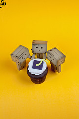 * (Abdulkreem Al-delaigan | ) Tags: apple toy happy photography flickr stilllive  danbo  2011   danboard  canon5dmark|| abdulkreemaldelaigan    abdulkreem aldelaigan